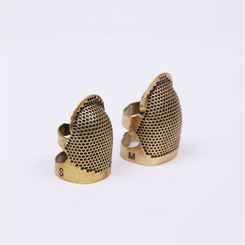 Household Adjustable Needle Thimble Hoop Metal Copper Ring Finger Sleeve Sewing Tools (Size: S M )