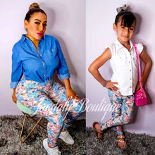 Load image into Gallery viewer, Daisy Leggings - Youth