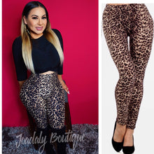 Load image into Gallery viewer, Leopard Print Leggings