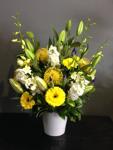 Flower Arrangement Fragrant and Bright Flower Arrangement