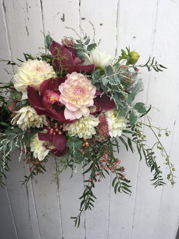 Antique themed posy