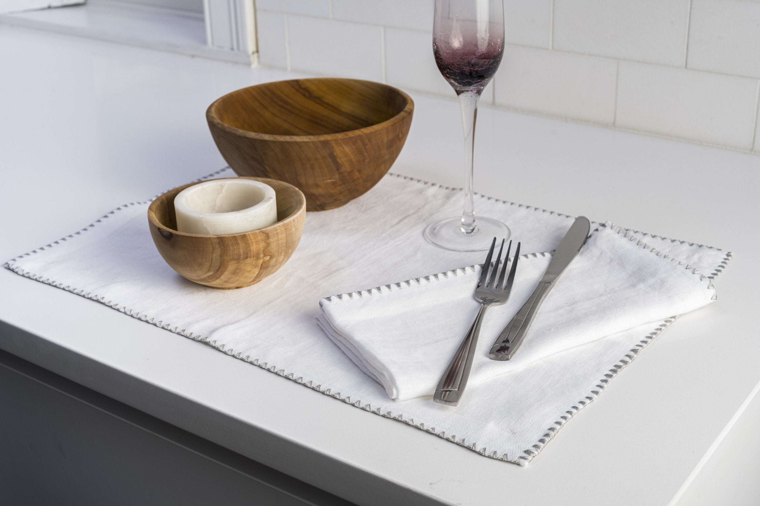 100% European Flax Linen Napkins With Merrow Edge Stitching (Set of 4) - Veri Vera