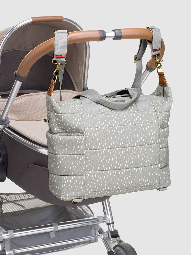 storksak organic cotton tote grey raindot, attached to buggy