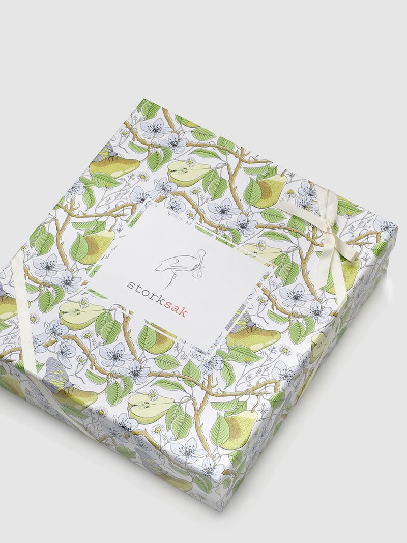 storksak bundle of joy gift set, muslin, swaddle, hooded towel & washcloth, raindot print, bamboo & cotton, gift box