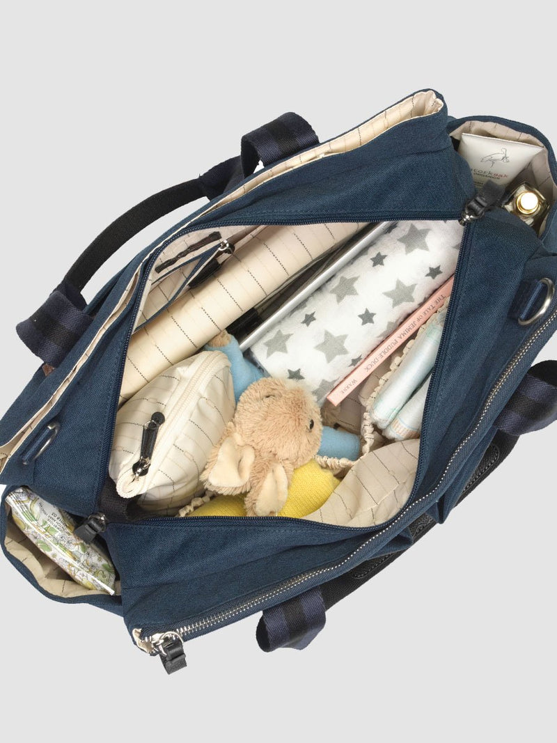 storksak travel shoulder bag navy, 3 compartments changing bag, inside packed with baby items