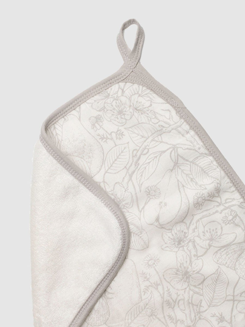 storksak hooded towel a dn washcloth set, silky soft bamboo towelling, garden print, close up washcloth