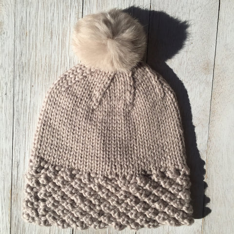 Snow Bunny, 100% Pure Wool, Oats