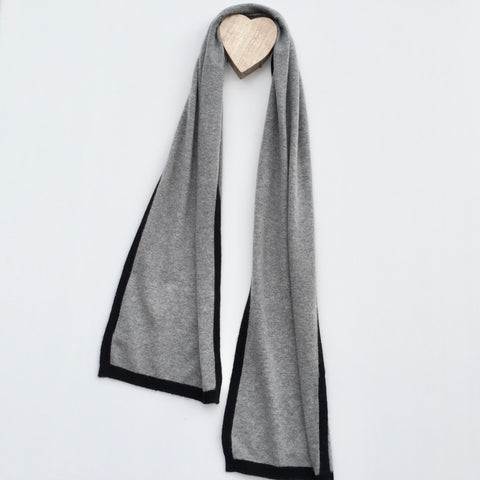 I'm WRAPPED Cashmere Border Scarf - Marle Grey