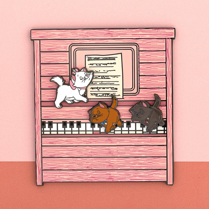 "DISNEY ARISTOCATS KITTENS PLAYING PIANO 3"" POP PIN - ARISTOCATS"
