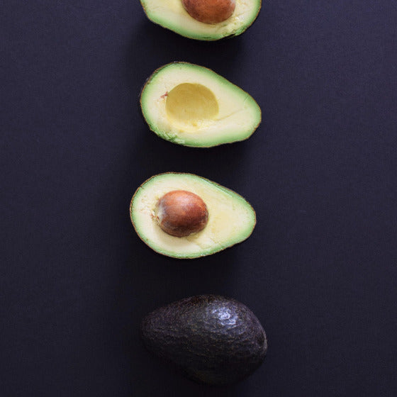Black avocado (ready to eat) (per piece)