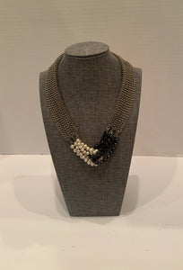 Black & White W Cultured Pearl