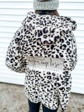 Load image into Gallery viewer, Leopard Sherpa Wrap