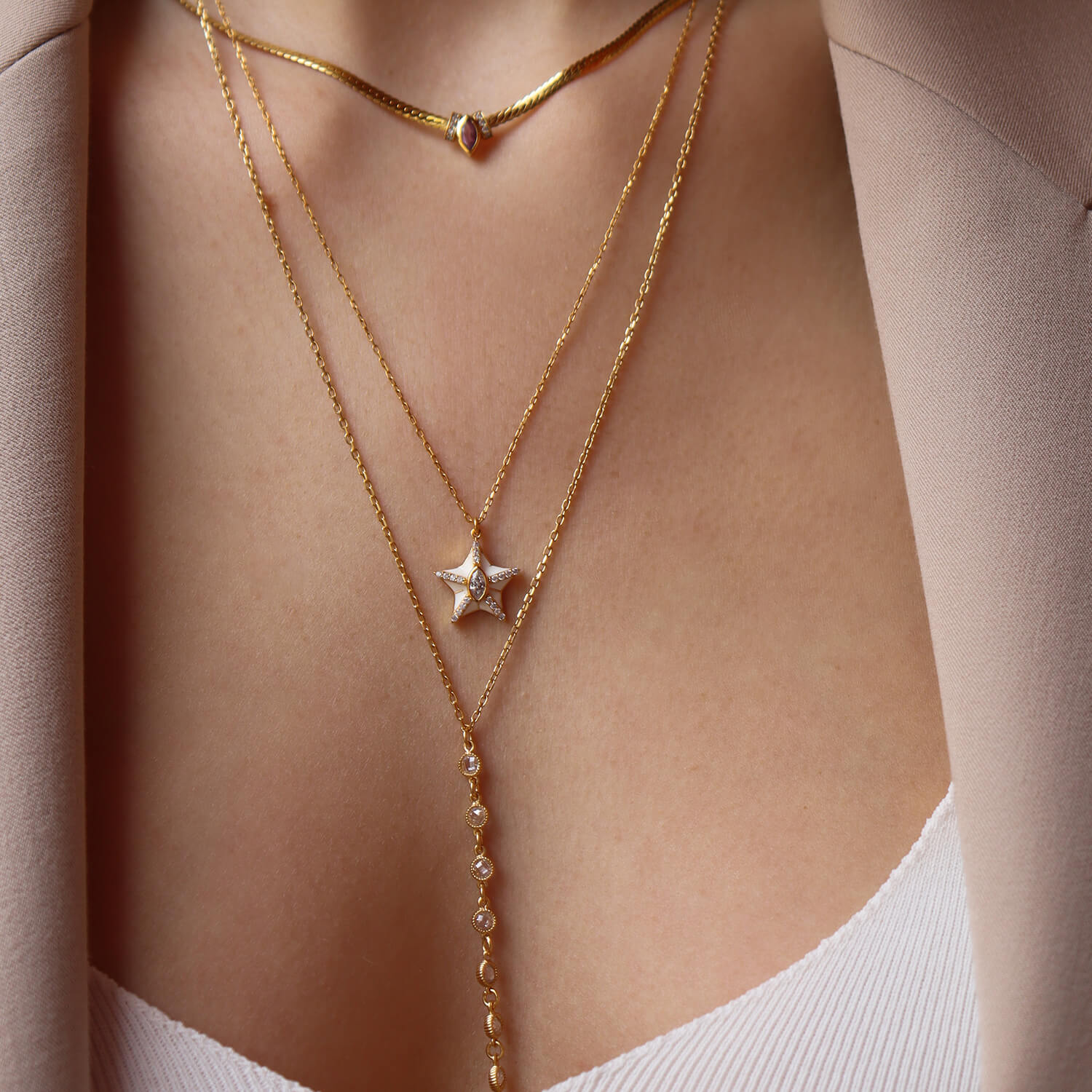 MARQUISE LUCKY STAR WHITE MINK NECKLACE