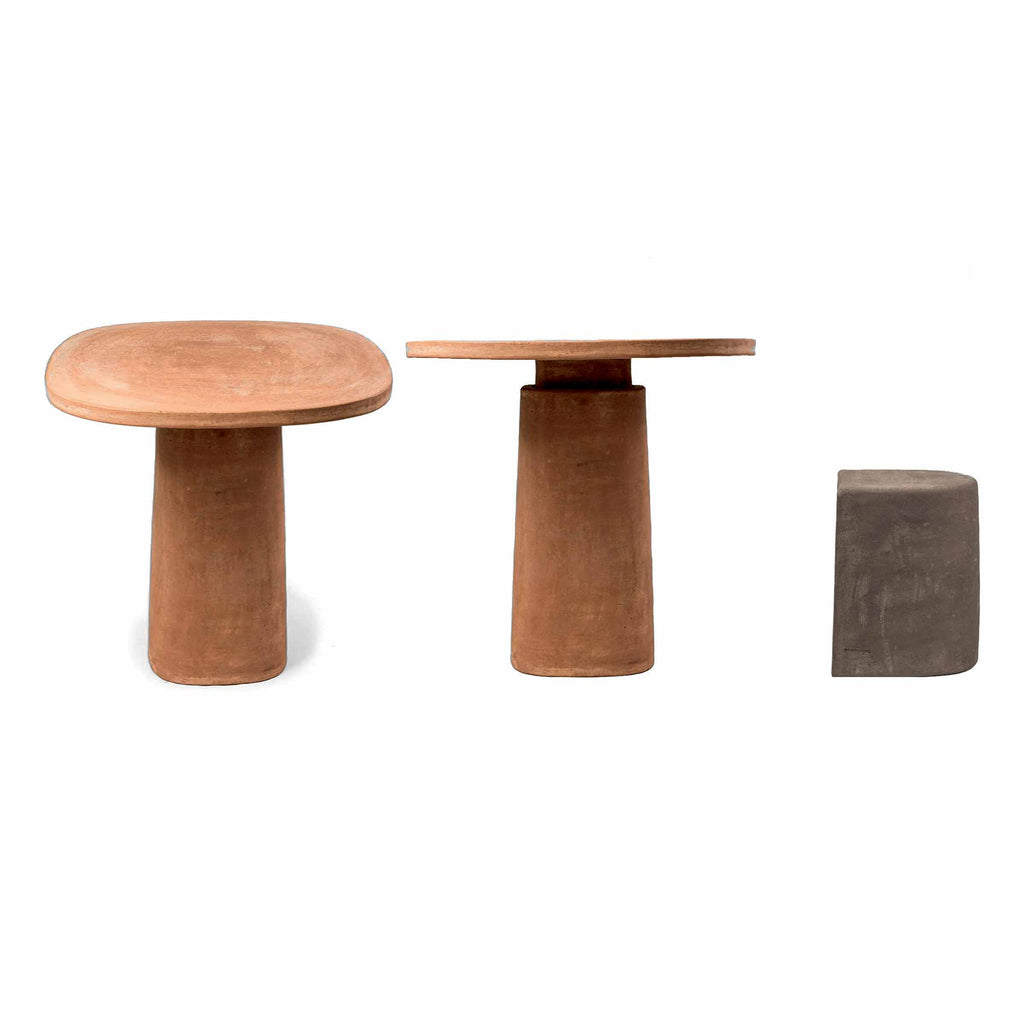 Terracotta Table GIOI - Natural- by Mario Scairato