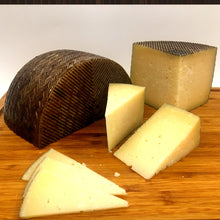 Load image into Gallery viewer, Manchego Reserva Curado PDO 100-120g
