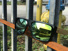 Load image into Gallery viewer, BambuS Shades - Black & Green