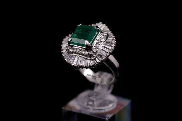 Diamond & Emerald Platinum Ring