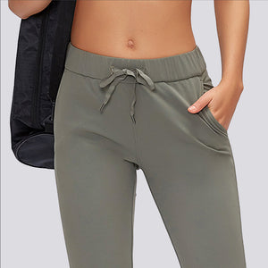 Everyday Crop Pant