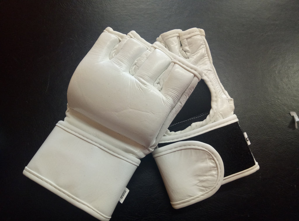 21201 MMA GLOVES LEATHER - WHITE(NO THUMB)