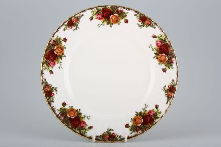 Royal Albert Old Country Roses Dinner Plate. Made in England