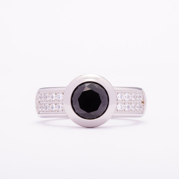 Vicky Crystal |  Black