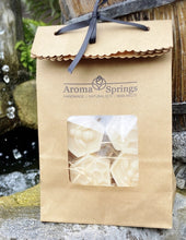 Load image into Gallery viewer, Bees & Honeycomb Soy Wax Melts - Aroma Springs Home Fragrances