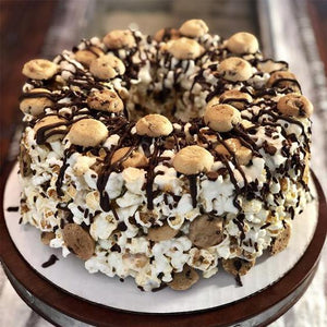 Chocolate Chip Cookie Gourmet Popcorn Cake