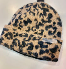 Load image into Gallery viewer, Steve Madden Leopard Beanie
