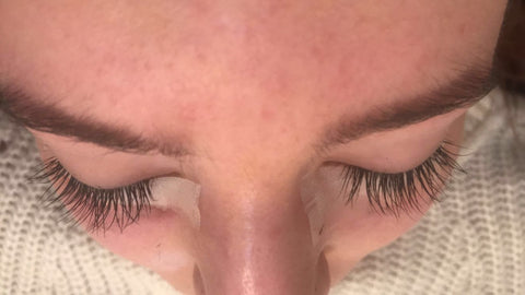 nouveau lashes application