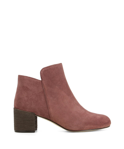 Dusty red leather ankle boots that have inner zipper fastening and features a mid 6 cm block heel and a round toe by 2 Baia Vista.
