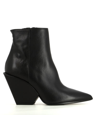 Italian black leather ankle boots that have inner zipper fastening and features a 9 cm architectural heel and a pointed toe by Elena Iachi.