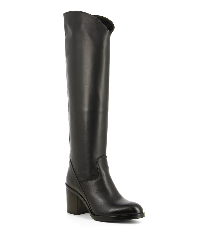 Handmade black leather knee high boots that have inner zipper fastening and features a 7cm block heel, and an almond toe by Be Mood.
