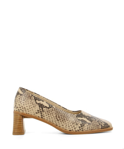 Chic nude snakeskin heels featuring a flared wooden block heel and a square toe by 2 Baia Vista.