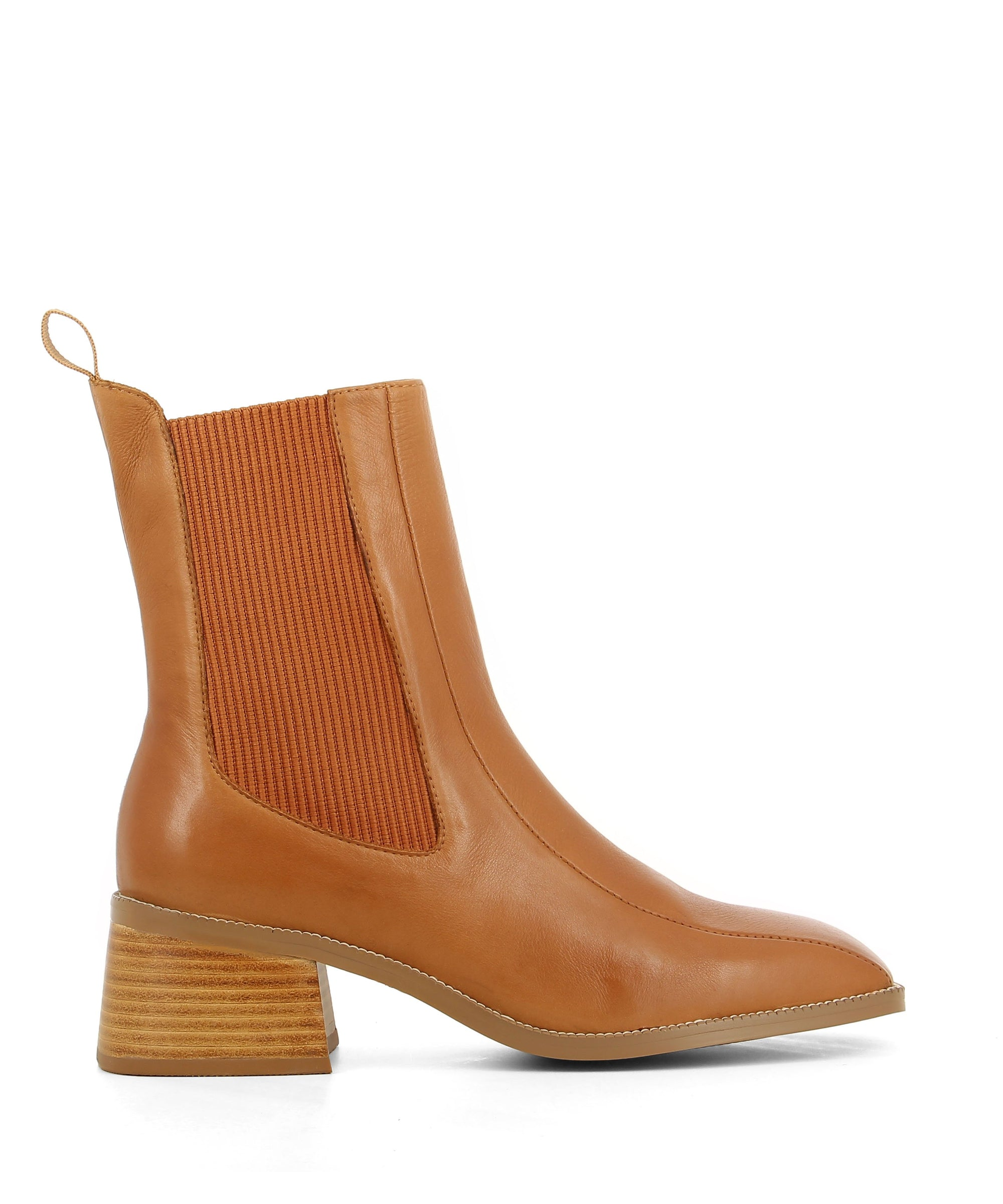 Classic cognac tan leather Chelsea boots that are a pull on style featuring elastic side gussets, a 5cm block heel and a square toe by 2 Baia Vista.