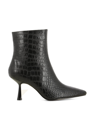 Wellington Black Croc - Black leather heeled ankle boots that have inner zipper fastening and features a croc skin texture to the upper, a modern angled 7 cm heel and a pointed toe by Zomp.