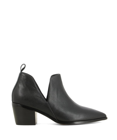 Pull-on all-black leather ankle boots that feature cut out sides, a mid-height 5.5 cm block heel, and a pointed toe by Zomp.