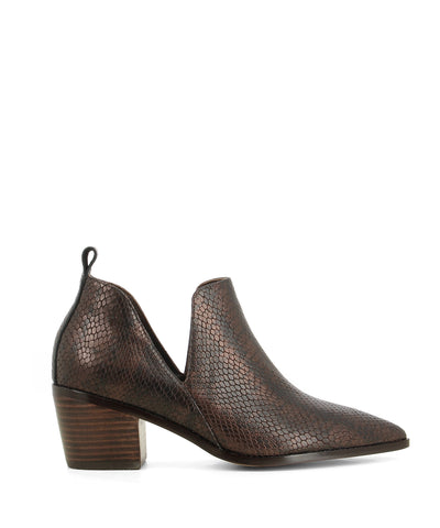 Pull-on bronze leather ankle boots that feature embossed snakeskin texture to the upper, cut out sides, a mid-height 5.5 cm stacked block heel, and a pointed toe by Zomp.