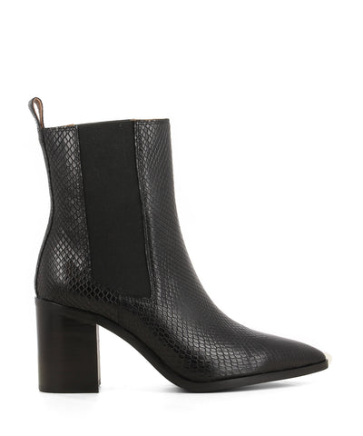 Chic black leather Chelsea boots that are a pull on style featuring elastic side gussets, a 7.5cm block heel and a pointed toe by 2 Baia Vista.