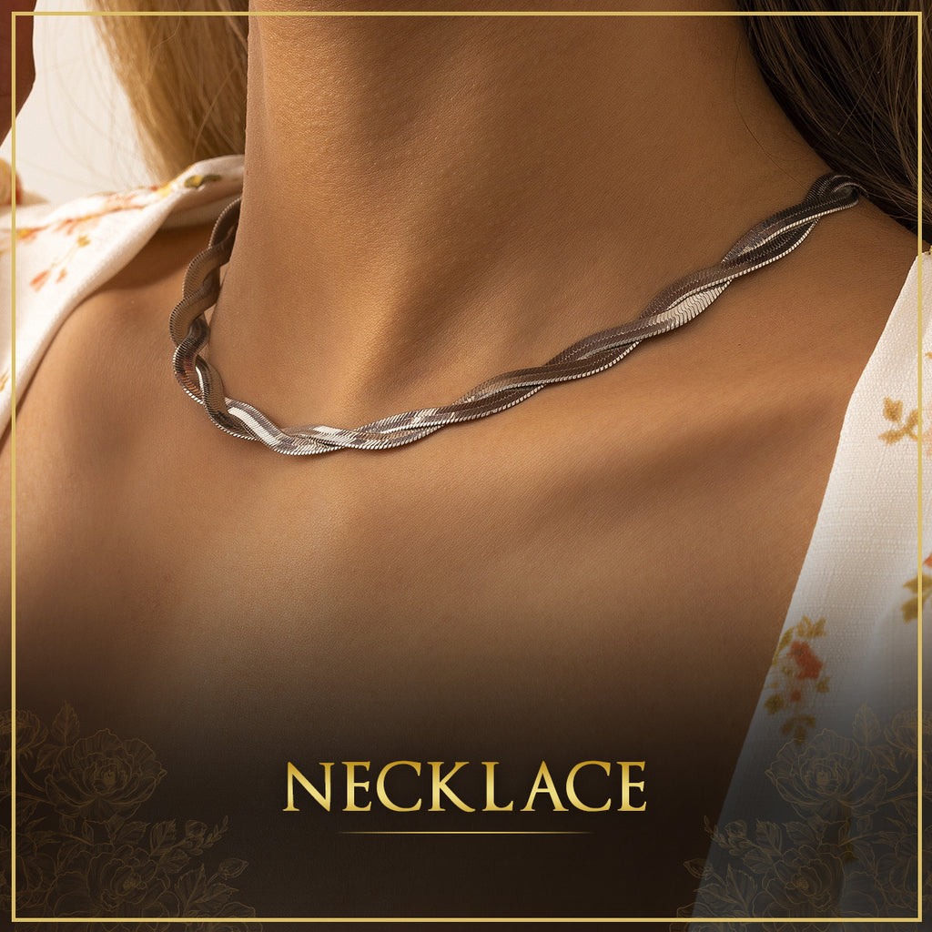 High Quality Trendy Fashionable Jewelry Silver Necklaces for Women in Dubai, UAE.