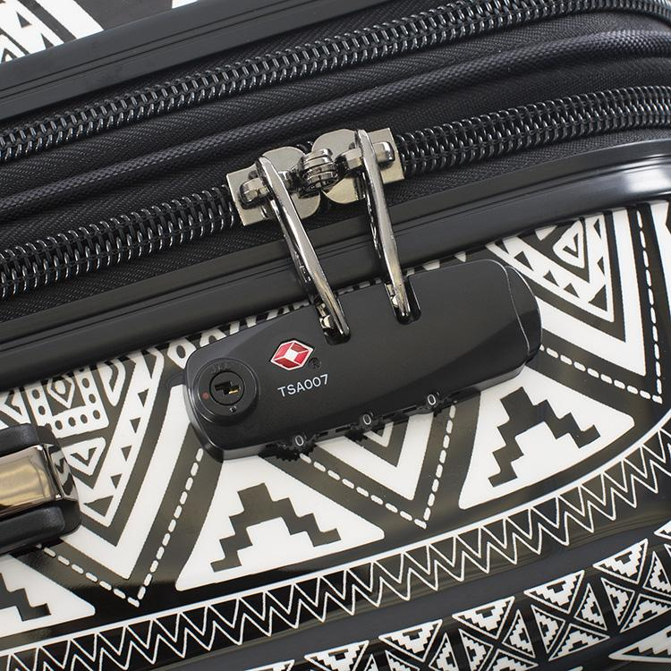 "Fijian Tribal 21"" Fashion Spinner™ Carry-on"