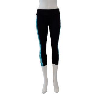 Athletic Bottoms by Forever 21 Size S - BRAND: FOREVER 21. STYLE: CAPRIS. COLOR: BLACK AND BLUE. SIZE: SMALL. SKU: 40321023795.