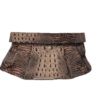 Clutch by JJ Winters Size Medium - BRAND: JJ WINTERS. STYLE: FOLD OVER CLUTCH . COLOR: BROWN. SIZE: MEDIUM. SKU: 40321018816.
