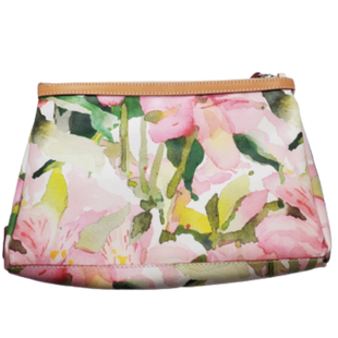 Clutch by Cavalcanti Size L - BRAND: CAVALCANTI. STYLE: FLORAL CLUTCH. COLOR: CREAM, GREEN AND PINK. SIZE: LARGE. SKU: 40321028052.