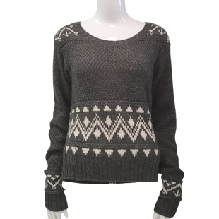 Sweater by Mossimo Size M - BRAND: MOSSIMO. STYLE: ROUND NECK. COLOR: GRAY AND WHITE. SIZE: MEDIUM. SKU: 40321009234.