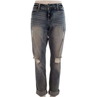 Jeans by maurices Size M - BRAND: MAURICES . STYLE: CUFFED SKINNY. COLOR: LIGHT DISTRESSED DENIM. SIZE: MEDIUM. SKU: 40321029478.