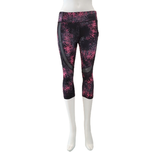 Athletic Bottoms by Forever 21 Size S - BRAND: FOREVER 21. STYLE: CAPRIS. COLOR: BLACK AND PINK. SIZE: SMALL. SKU: 40321023798.