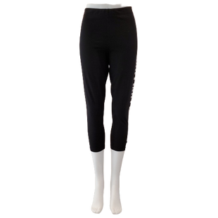 Athletic Bottoms by Pink Size L - BRAND: PINK. STYLE: CAPRI LEGGING. COLOR: BLACK AND WHITE. SIZE: LARGE. SKU: 40321023578.