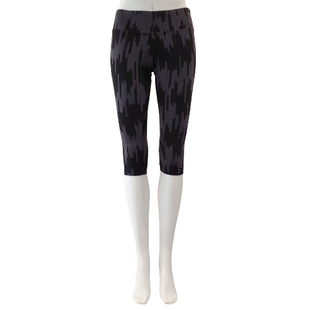 Athletic Bottoms by marika tek Size S - BRAND: MARIKA TEK. STYLE: CAPRI LEGGING. COLOR: BLACK AND GRAY. SIZE: SMALL. SKU: 40321023797.