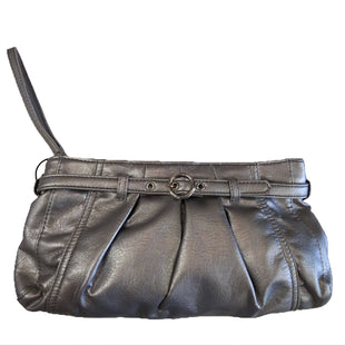 Wristlet by Neiman Marcus Medium - BRAND: NEIMAN MARCUS. STYLE: ZIPPER TOP. COLOR: SILVER. SIZE: MEDIUM. SKU: 40321020006U. *COMES WITH HANDHELD MIRROR.