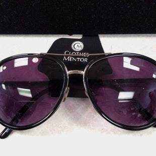Sunglasses by Clothes Mentor - BRAND: ROCCO SUNREADERS. STYLE: AVIATOR. COLOR: BLACK AND SILVER. SKU: 40321001209.